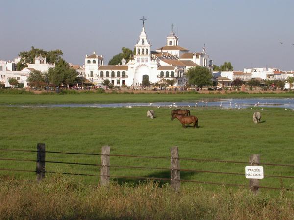 Madre de las Marismas con Ermita del Rocío